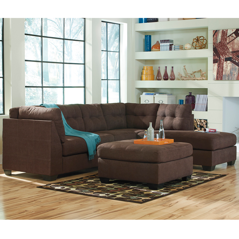 Sectional With Right Side Facing Chaise