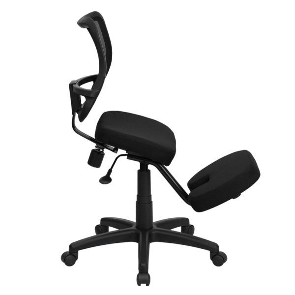 Lowest Price Mobile Ergonomic Kneeling Swivel Task Office Chair with Black Mesh Back and Fabric Seat